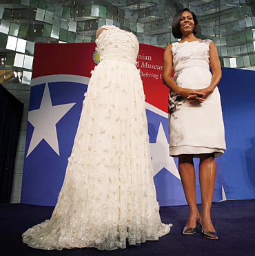 US first lady Michelle Obama donates her 2009 Inaugural Ball gown to the Smithsonian's National Museum of American History in Washington, March 9, 2010. In a continuing long tradition of first ladies donating their inaugural gowns to the Smithsonian, Obama unveiled the new Jason Wu-designed centerpiece to the popular exhibit The first ladies at the Smithsonian.
