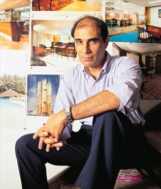 Hafeez Contractor, architect