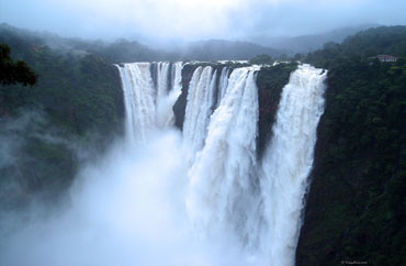 Travel pics: India's rumbling falls, placid lakes