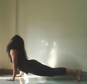 Urdhvamukha svanasana (Upward facing dog pose)