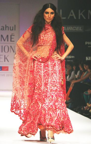 Drape your dupatta differently, like this one-sided slouching style by Abhirahul