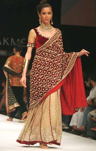This ghagara from Shyamal and Bhumika is just the right length