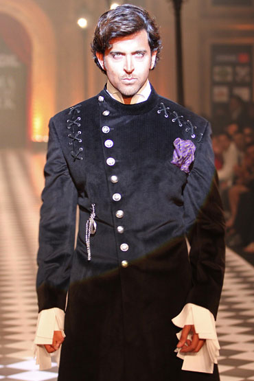 Hrithik Roshan for Karan Johar and Varun Bahl at HDIL India Couture Week