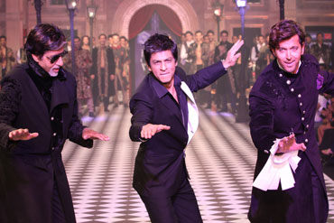 Amitabh Bachchan, Shah Rukh Khan and Hrithik Roshan at the HDIL India Couture Week