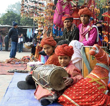 Dilli Haat promises shows in the evening ranging from regional dances to puppet shows.