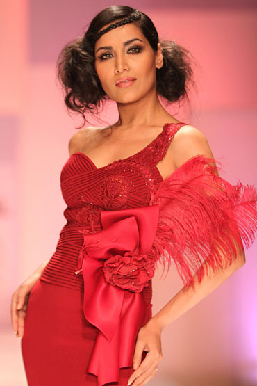 Tapur Chatterjee for Shahab Durazi at HDIL India Couture Week