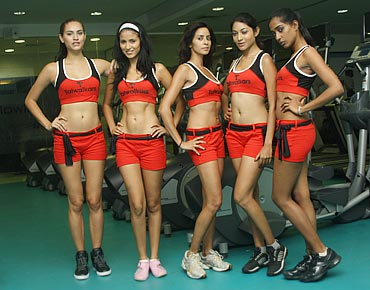 Bruna Rodrigues, Reyna Leyva, Alina Ray, Pallavi Das and Radhika Sahay