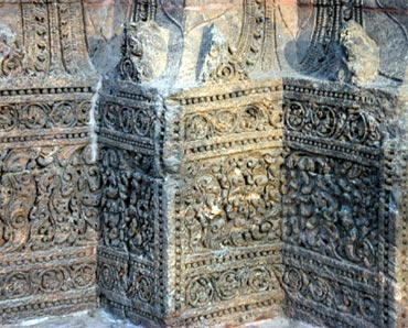 Scrollwork and carvings at Konark temple
