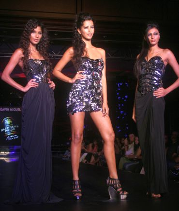 Miss India-Earth 2010 Nicole Faria, Miss India-World 2010 Manasvi Mamgai and Miss India-International 2010 Neha Hinge for Gavin Miguel