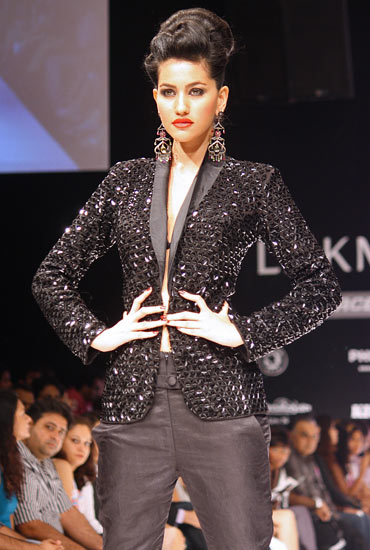 Anjali Lavanya showcases Rajat Tangri's creation