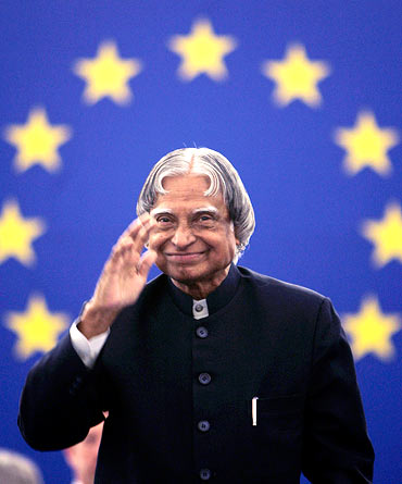 India's President A. P. J. Abdul Kalam waves to members of the European Parliament ahead of his address in Strasbourg April 25, 2007