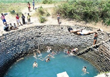 Unusual summer pics a desi style swimming pool rediff - The last picture show swimming pool scene ...