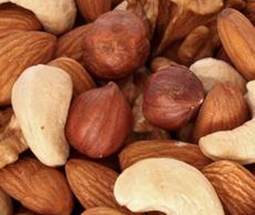 Almonds and walnuts help reduce stress