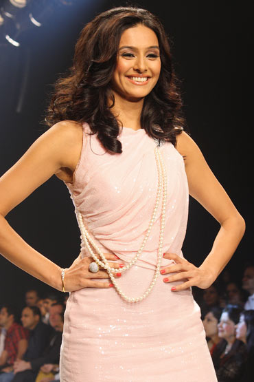 Shibani Dandekar for Agni Jewels Pvt. Ltd