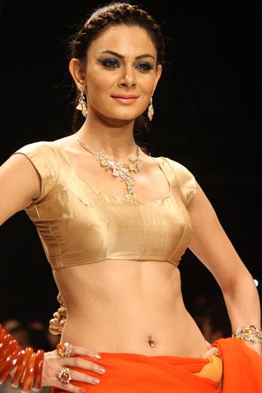 Anchal Kumar for Jewels Emporium