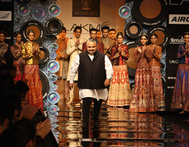 JJ Valaya at the close of his LFW showing