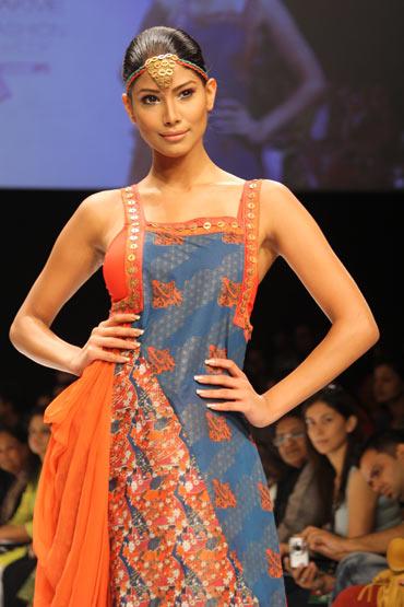Nicole Faria for Pallavi Goenka