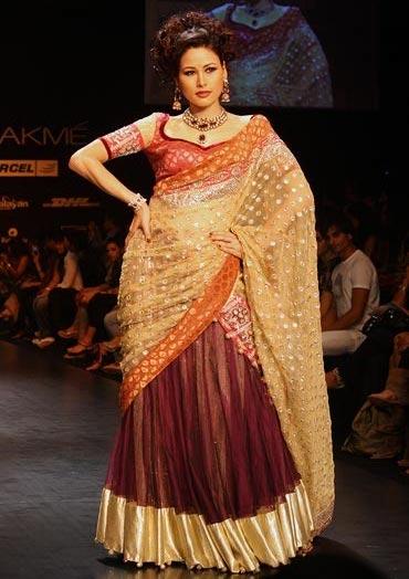 Shruti Agarwal for Shyamal and Bhumika