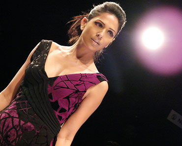 Model Candice Pinto in action on the ramp