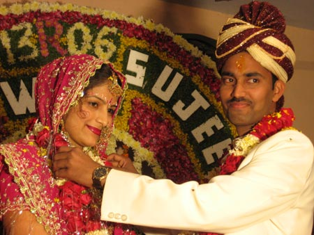 Sujeet Pratap Singh and his bride Rajni Chauhan from Lucknow