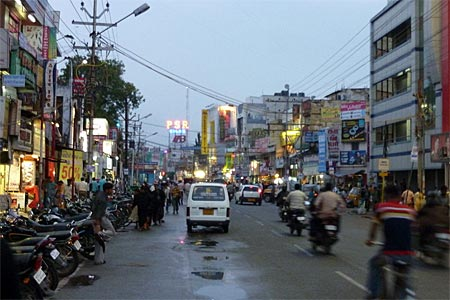 Coimbatore's biggest shopping area: Cross Cut Road