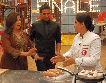 Guest judge Farah Khan interacts with Pankaj on MasterChef
