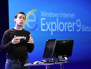 Microsoft launches Internet Explorer 9
