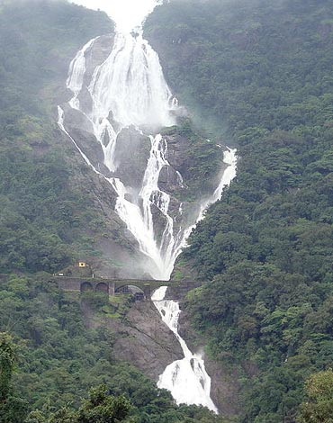 A trip to South Goa is not complete if Dudhsagar Falls is not in your itinerary.