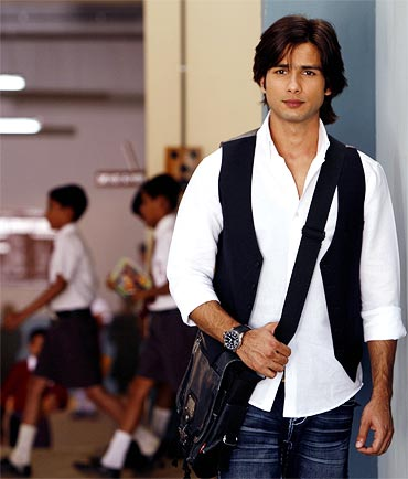 2011 is all about change for Pisceans like Shahid Kapoor