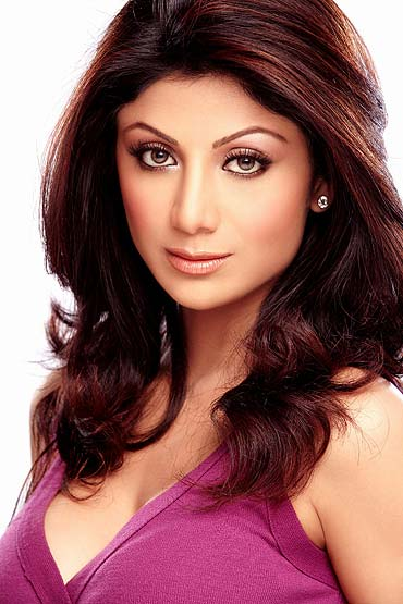 Shilpa Shetty and other Gemineans are advised to curb their spending