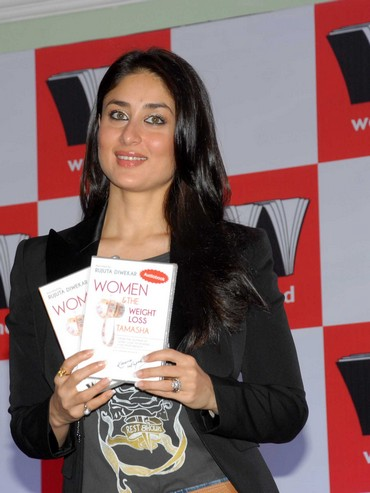 Kareena Kapoor at the launch of Rujuta Diwekar's new book