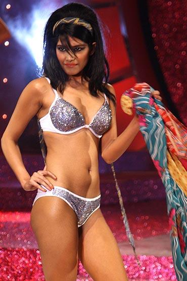 Hot naked latinas