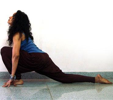 Ashwa sanchalanasana (horse pose)