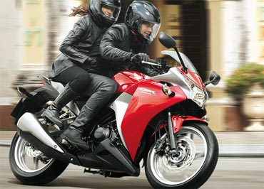 Photos Check Out The Superb Honda Cbr250r Rediff Getahead
