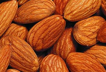 Almonds are superfood for hair health