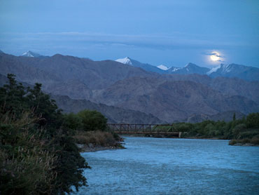 Moonrise over the Indus river