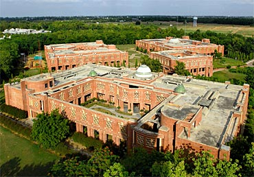 IIM Lucknow