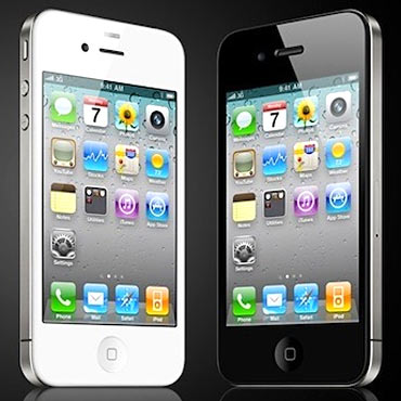 Apple unlocks iPhone 4 for US consumers
