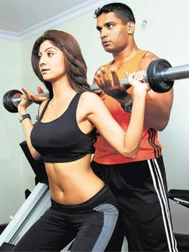 Four ways to a strong and sexy back - Rediff Getahead