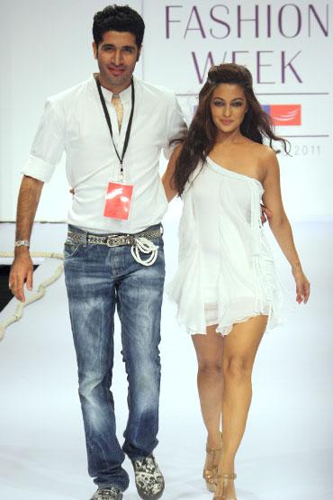 Arpan Vohra and Riya Sen