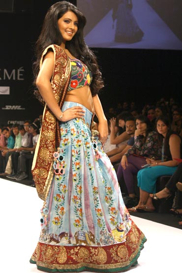 Geeta Basra was the showstopper for Parvesh Jai at Lakme Fashion Week.