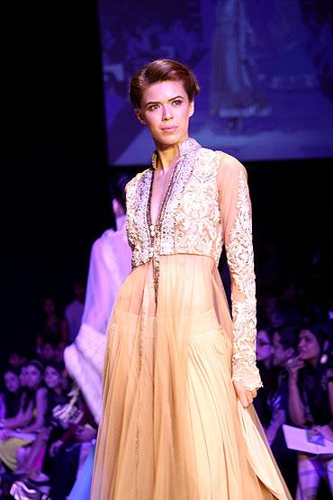Model Sucheta Sharma in a Manish Malhotra creation