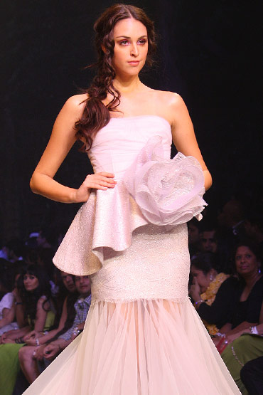A model in a Gauri and Nainika creation