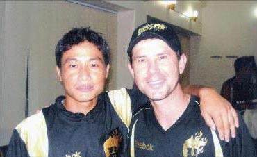 Hokaito Zhimomi with Ricky Ponting
