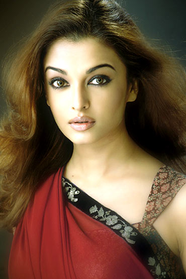 Aishwarya Rai poses for Subi Samuel