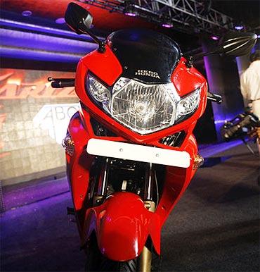 Karizma Zmr Bike Review Rediff Getahead