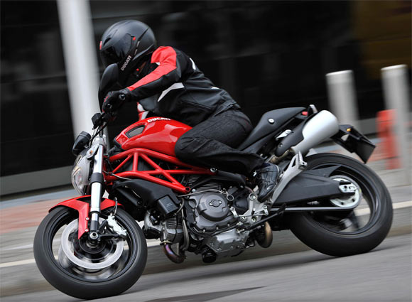 IN PICS: The lean mean sexy Ducati Monster 795!