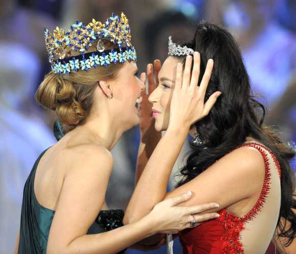 Miss Philippines, Gwendoline Ruais, is crowned after being named as runner up in the Miss World 2011