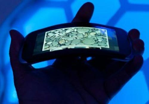 PHOTOS: Bendable phones, foldable screens and digital paper