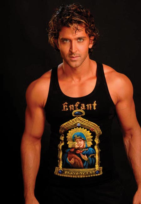 Speaking of Greek gods -- Hrithik Roshan is the answer to any woman's prayer!